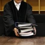 csm-a-dispus-sanctionarea-disciplinara-cu-diminuarea-indemnizatiei-cu-20-pe-o-perioada-de-2-luni-a-1493216646.jpg