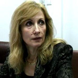 Inspectia Judiciara a trimis-o in judecata disciplinara pe inspectoarea Elena Radescu, dupa ce s-a plimbat cu masina DNA pentru a se intalni cu Laura Kovesi